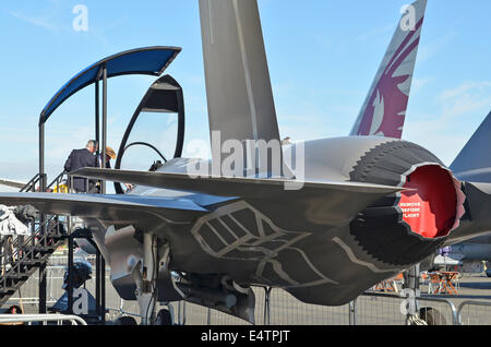 Farnborough, Hampshire, UK. 16th July, 2014. Visitors to the 2014 Farnborough Airshow were disappointed to find - Stock Image