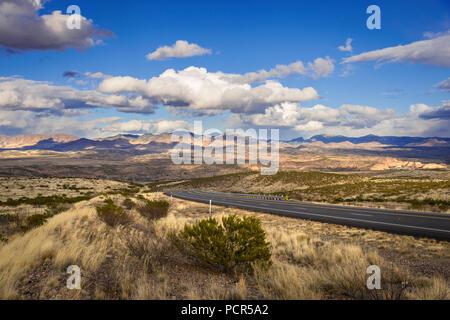 Empty Highway, Arizona USA Desert - Stock Image