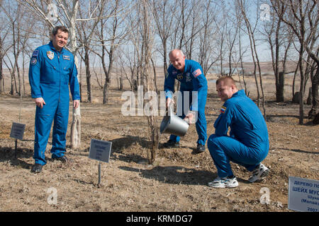Behind the Cosmonaut Hotel crew quarters in Baikonur, Kazakhstan, Expedition 47-48 crewmember Jeff Williams of NASA - Stock Image