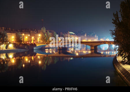 Night Seine in Paris, France - Stock Image