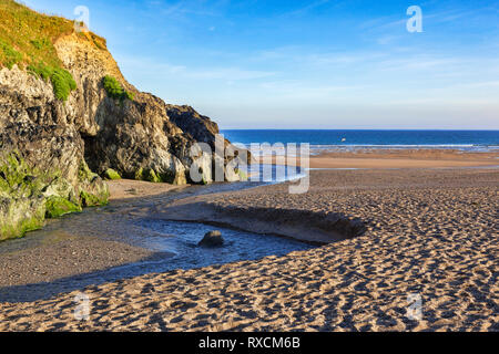Holywell Beach, North Cornwall, before the crowds arrive. - Stock Image
