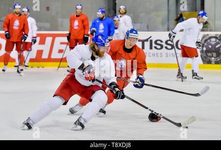 Bratislava, Slovakia. 15th May, 2019. Czech players L-R Jakub Voracek and Ondrej Palat attend a training session of the Czech national team within the 2019 IIHF World Championship in Bratislava, Slovakia, on May 15, 2019, one day prior to the match against Latvia. Credit: Vit Simanek/CTK Photo/Alamy Live News - Stock Image