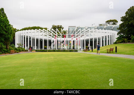 The Calyx biome (2016) at The Royal Botanic Garden, adjacent to the central business district of Sydney, New South Wales, Australia. - Stock Image