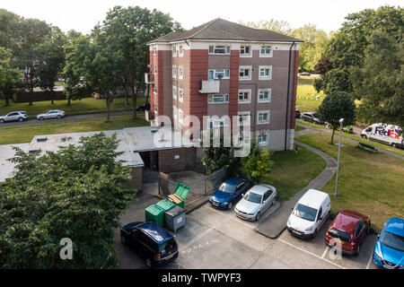 A block of flats at Grenville Road in Reading, Berkshire, UK - Stock Image