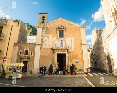 Church of Saint Catherine of Alexandria at Christmas time in the town of Taormina, Province of Messina, Sicily, Italy - Stock Image