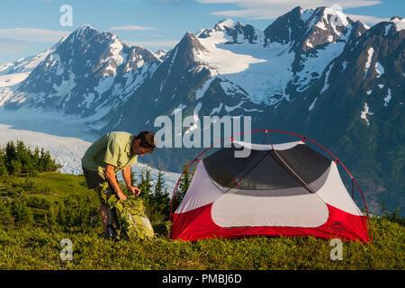 Backpacking trip to the Spencer Glacier Bench, Chugach National Forest, Alaska. - Stock Image