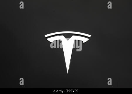 28.03.2019, , North Rhine-Westphalia, Germany - Tesla, Model 3, electric car. 00X190328D024CAROEX.JPG [MODEL RELEASE: NO, PROPERTY RELEASE: NO (c) car - Stock Image