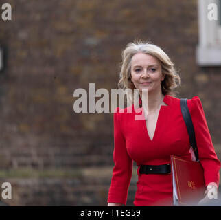 London, UK. 26th March 2019, Elizabeth Truss MP Chief Secretary to the Treasury arrives at a Cabinet meeting at 10 Downing Street, London, UK. Credit: Ian Davidson/Alamy Live News - Stock Image