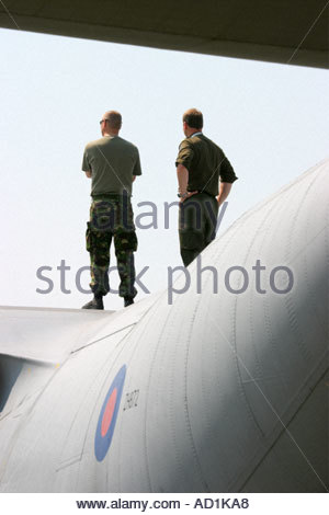 Zeltweg 2005 AirPower 05 airshow Austria Hercules mechanics standing - Stock Image