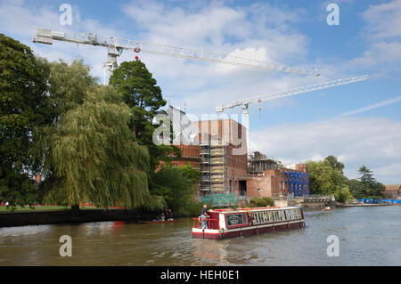 Cranes above the Royal Shakespeare Theatre during the transformation of the theatre. - Stock Image