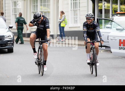 Two Team Wiggle riders joking at the 2018 Ovo Women's Tour start - Stock Image