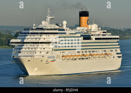 Cruiseship Costa Pacifica arrives at Hamburg - Stock Image