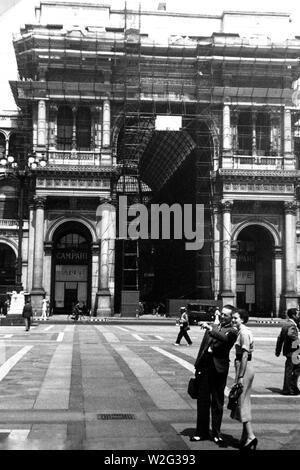 Eva Braun Collection (album 4) - Street scene in Milan Italy ca. late 1930s - Stock Image