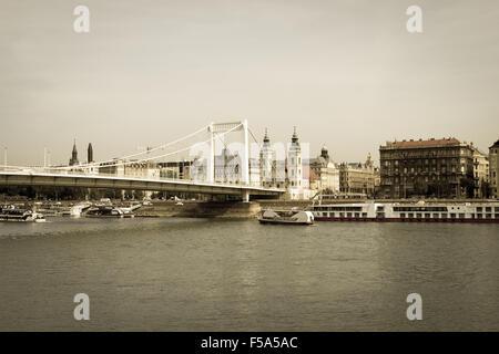 Elisabeth Bridge (Erzsebet hid), in Budapest - Stock Image