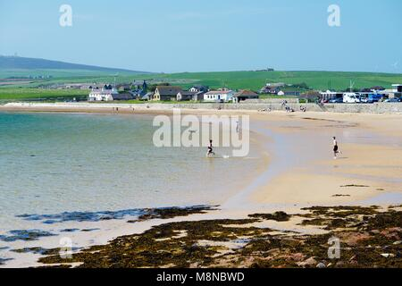 Scapa Beach near Kirkwall, Mainland, Orkney, Scotland. Summer coast holiday. North end of Scapa Flow - Stock Image