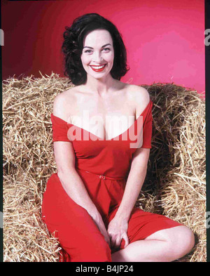 Samantha Robson August 2000 Actress FOR THE MIRROR FEATURES SAM ROBSON IN JAYNE RUSSELL POSE PLEASE PUT ONTO FEATURES - Stock Image
