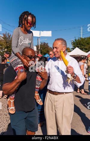 Bellmore, New York, USA. 20th September 2015. R-L, U.S. Senator CHARLES (CHUCK) SCHUMER (Democrat - New York), poses - Stock Image