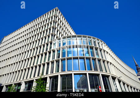 London, England, UK. One New Ludgate building at 60 Ludgate Hill, in the City of London. Houses the London branch of the Commonwealth Bank (2015: Flet - Stock Image
