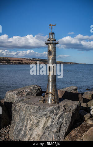 The Stonehaven Lighthouse Sculpture along the beach front - Stock Image