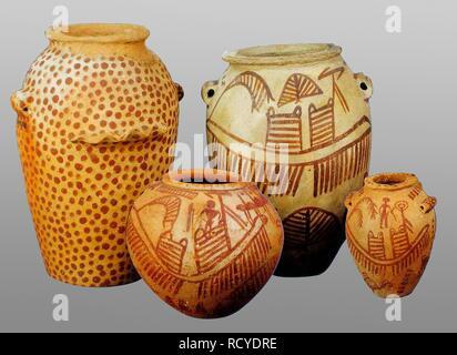 6398. Painted pottery, Pre-dynastic, Chalcolitc, Naqada culture, Egypt, c. 3400-3500  BC - Stock Image