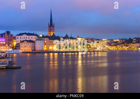 Scenic night view of Riddarholmen, Gamla Stan, in the Old Town in Stockholm, capital of Sweden - Stock Image