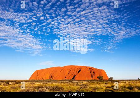 Ayers Rock or Uluru, Uluru-Kata Tjuta National Park, Northern Territory, Australia - Stock Image