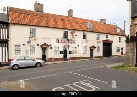 Kings Head public house, White Hart Street, Thetford, Norfolk. unsharpened - Stock Image