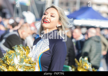 21st October 2018 LONDON, ENG - NFL: OCT 21 International Series - Titans at Chargers Atmosphere - Credit Glamourstock21st October 2018 LONDON, ENG - NFL: OCT 21 International Series - Titans at Chargers Atmosphere - Credit Glamourstock21st October 2018 LONDON, ENG - NFL: OCT 21 International Series - Titans at Chargers Cheerleaders - Credit Glamourstock - Stock Image