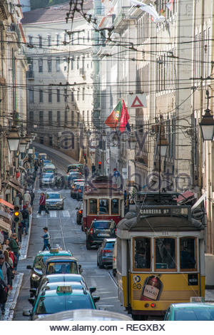 Traffic in a busy street in Lisbon - Stock Image