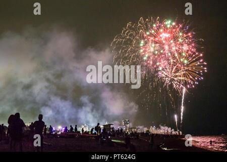 Miami Beach Florida Fourth 4th 4 July fireworks burst display show holiday tradition night nightlife - Stock Image