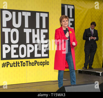 London, UK. 23rd Mar, 2019. Nicola Sturgeon, First Minister of Scotland addresses the  People's Vote March and rally, 'Put it to the People' in Parloiament Square London. Credit: Prixpics/Alamy Live News - Stock Image