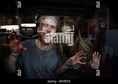 London, UK. 28th Oct 2017. Halloween revellers in London Credit: Beren Patterson/Alamy Live News - Stock Image
