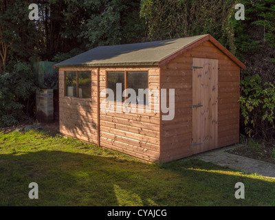 shed in garden - Stock Image