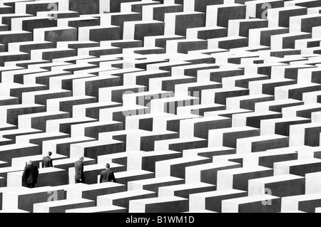 holocaust memorial berlin vip visitor bodyguards security - Stock Image