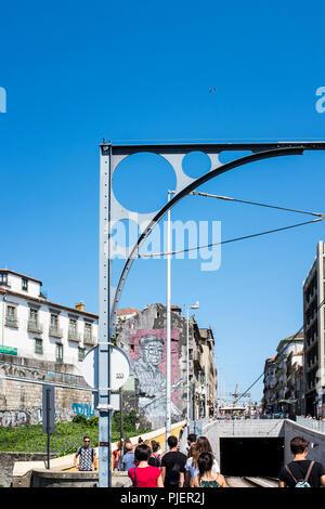 The Dom Luis 1 bridge, Porto, Portugal. - Stock Image