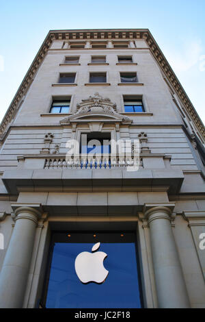 Apple Store, Paseo de Gracia, Barcelona, Spain - Stock Image