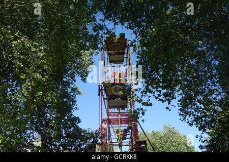 Ferris Wheel, Bermondsey Carnival, Southwark Park, London, UK - Stock Image