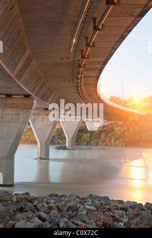Concrete bridge over Manawatu river, Palmerston North, New Zealand - Stock Image