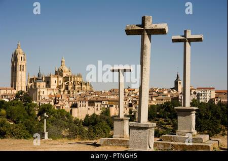 Cathedral from Cerro de la Piedad, Segovia, Spain. - Stock Image