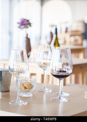 Wine tasting in Setugal wine region, Portugal. - Stock Image