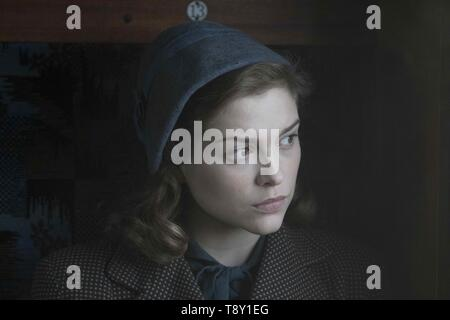 RED JOAN (2018)  SOPHIE COOKSON  TREVOR NUNN (DIR)  IFC FILMS/MOVIESTORE COLLECTION LTD - Stock Image