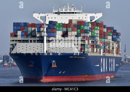 CMA CGM Vasco de Gama outbound from Hamburg - Stock Image