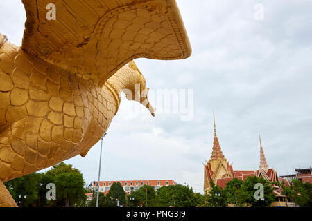 Gilt statue of Hang Meas, the sacred golden bird, in Botum Park, Phnom Penh, Cambodia. - Stock Image