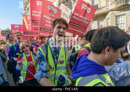 London, UK. 20th October 2018. People with placards on the People's Vote March calling for a vote to give the final say on the Brexit deal or failure to get a deal as the march leaves Hyde Park Corner. They say the new evidence which has come out since the referendum makes it essential to get a new mandate from the people to leave the EU. Peter Marshall/Alamy Live News - Stock Image