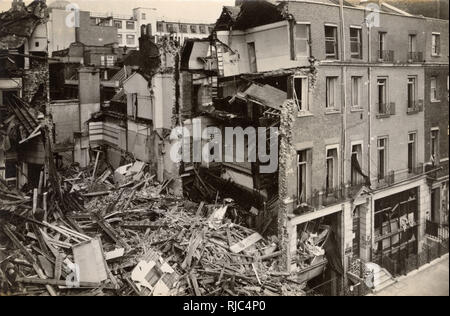WW2 - Home Front - Bomb Damage in London - Savile Row backing on to Heddon Street - 16th September 1940. - Stock Image