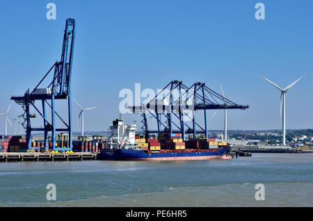 """""""Marielyst Monrovia"""" loading containers, Thames River, England 180627_73676 - Stock Image"""
