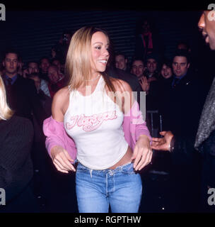 AMSTERDAM, THE NETHERLANDS - SEPT 18,1999: Mariah Carey arriving at a music store to sign her new album Rainbow and have a meet and greet with her fan - Stock Image