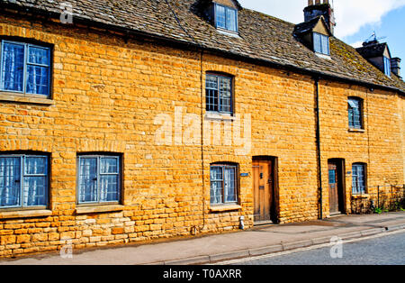 Bourton on the Water, Cotswolds, Cottages, Gloucestershire, England - Stock Image
