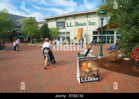 Exterior of LL Bean outdoors equipment store in Freeport, Maine, USA. - Stock Image