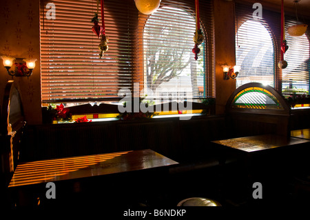 McCabes Irish Pub and Grill interior booths Naples Florida fl South Fifth Avenue South 5th Avenue - Stock Image